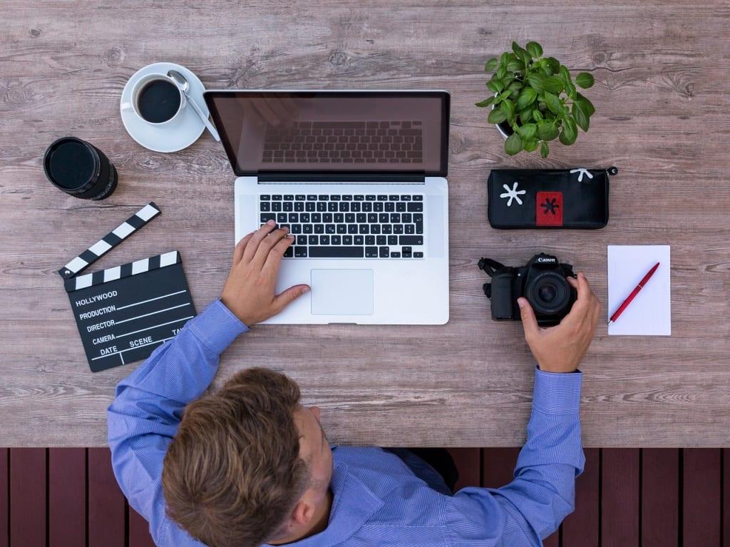 Métiers sans diplôme - Un youtuber peut générer des profits inimaginables
