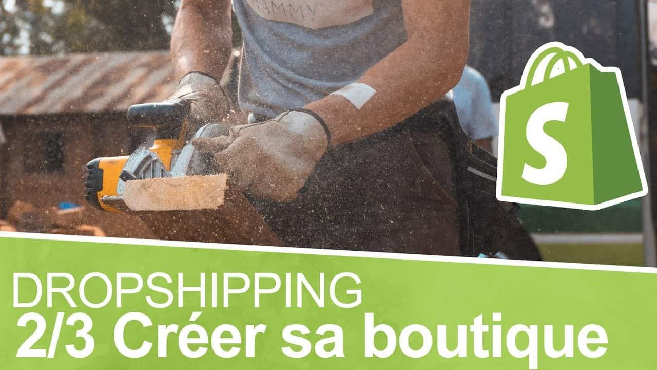 Une personne en train de construire une boutique shopify.