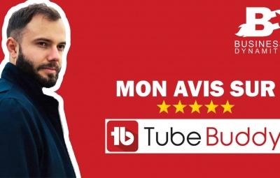 Un formateur en marketing en train de tester l'extension Tubebuddy pour améliorer son référencement sur youtube.