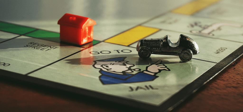 Les jeux de sociétés et autres sont aux normes CE de la communauté européenne.